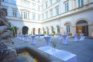 Courtyard Cocktail Palais Niederoesterreich